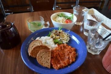 オープンしたてのカフェ・ビーンスタークで子供と食事!