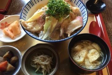 三沢の松喜さんで、ホッキ丼定食、食べてきました。名物?のたまご焼きも買っちゃった!!